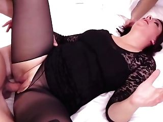 A Beautiful Divorced Wifey Wants An Venture And Has Hook-up With Two Stranger Stud