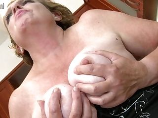 Horny Matures Lady Playing In The Kitchen - Maturenl
