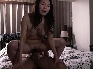 Japanese Wifey Fucks With Paramours While Spouse Not Home
