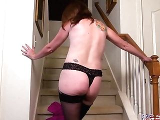 Usawives Matures Plaesing Her Vulva With Pink Gear