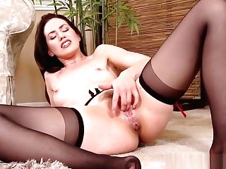 Squirting Mummy Has Numerous Orgasms