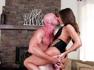 Madison Ivy & Johnny Sins In Madison On The Prowl - Brazzersnetwork