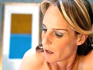 Heavenly Helen Hunt Has A Smooth-shaven Twat For Viewing