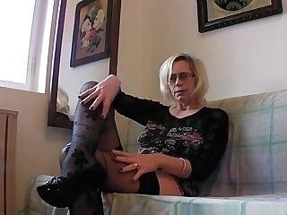 Perverted Granny Shoves Her Fist-fuck Up Her Old Cunt