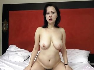 Big Caboose Housewife, Wanilianna Woke Up Supah Horny And Determined To Masturbate, Until She Cums