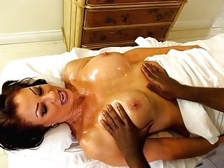 Black Massagist Fucks Killing Hot Cougar Vanessa Videl And Cums In Her Mouth