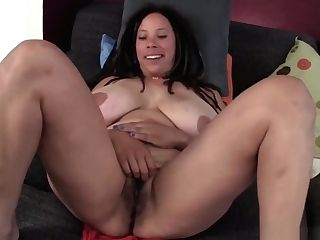Huge-boobed Cougar Shannon Pawing Her Hairy Cunt