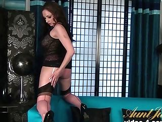 Exotic Superstar In Fabulous Mummy, Big Caboose Adult Clip
