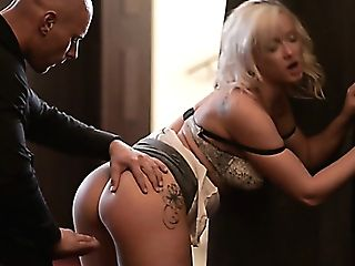 Gorgeous Platinum-blonde Mom Vicktoria Redd Got Banged In Rear End Pose Hard
