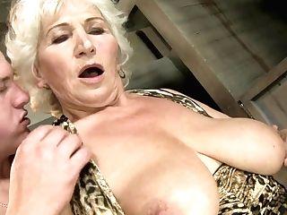 Matures Norma Finds Herself Sucking Mans Hard Worm