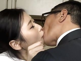 Wifey Fucked By Two Colleagues After Spouse Left Home(javplayer)