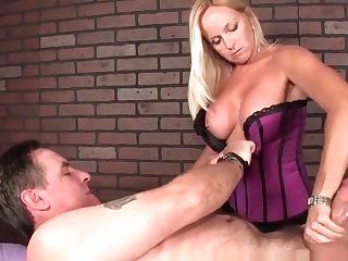 Faketit Masseuse Spunk Managing Her Patient
